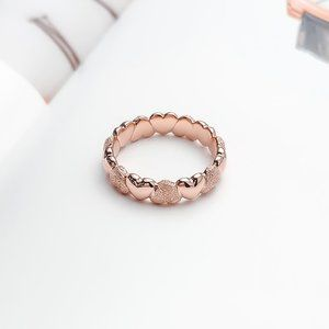 Matte Brilliance Heart Band Ring